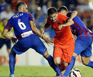 El Barça prolonga su racha y el Sevilla firma su mejor inicio en 20 años