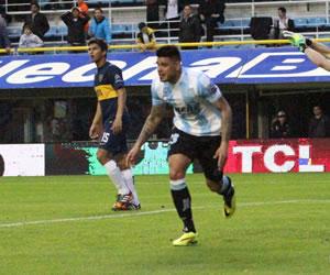 Racing le remonta a Boca y River detiene su racha ante Arsenal