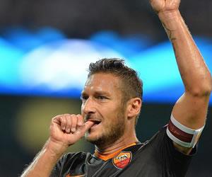 Totti, jugador más veterano en marcar en la Liga de Campeones