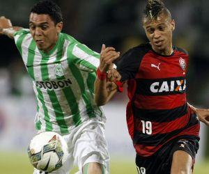 Nacional no pudo en casa con el Vitória de Brasil