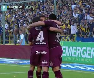 Lanús desplaza a Independiente y queda a dos puntos de la punta