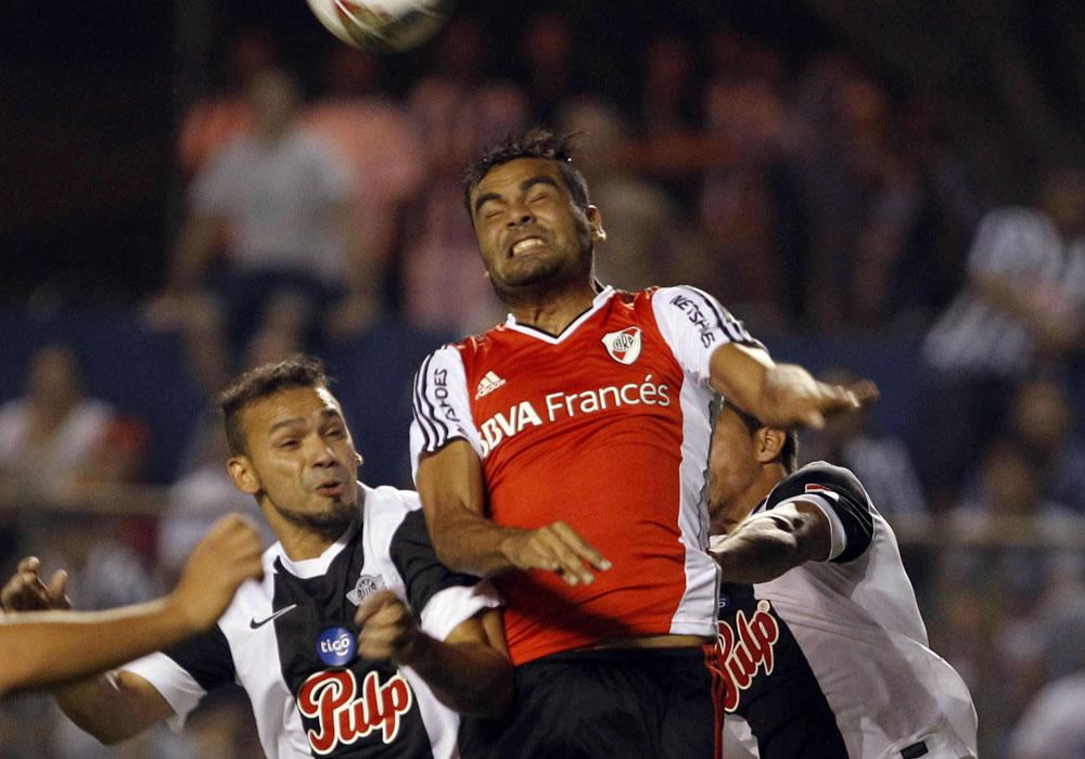 River Plate busca sellar su pase a cuartos de final ante Libertad. Foto: EFE