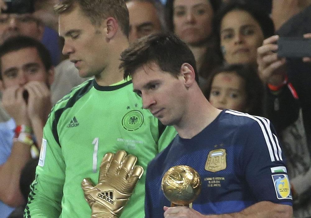 Leo Messi el Balón de Oro como mejor jugador del Mundial de Brasil 2014. Foto: EFE/Archivo