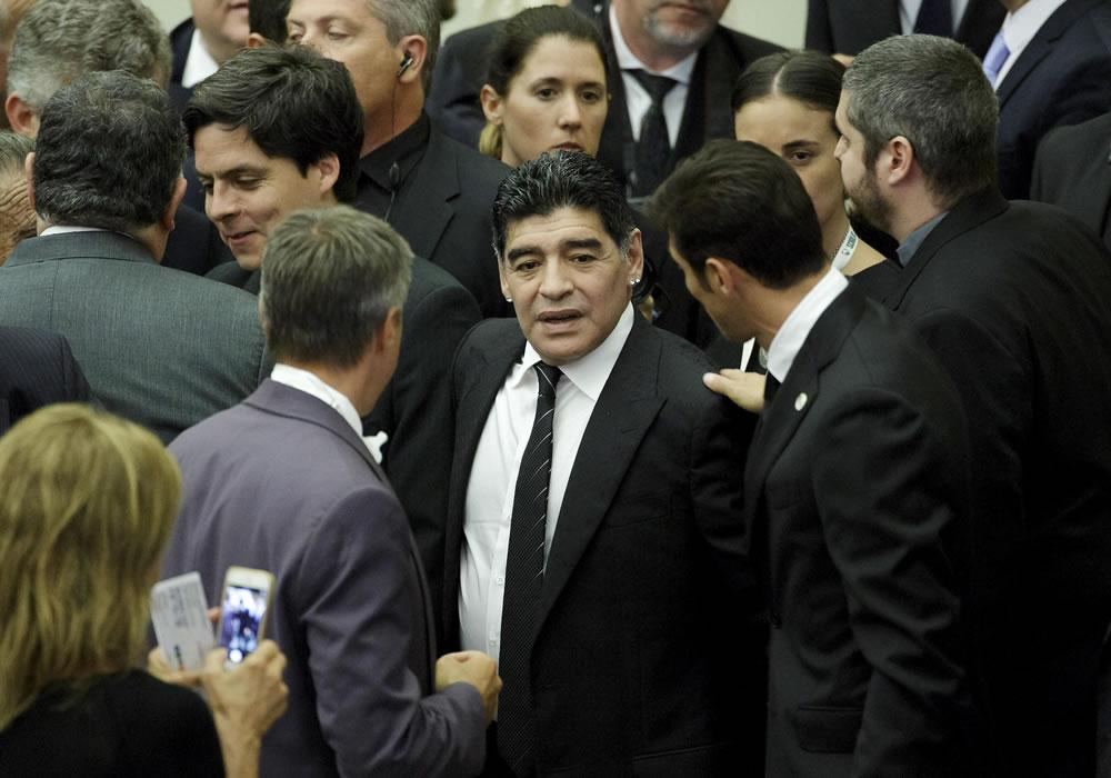 Diego Maradona celebra en Dubai sus 54 años envuelto en una polémica. Foto: EFE/Archivo