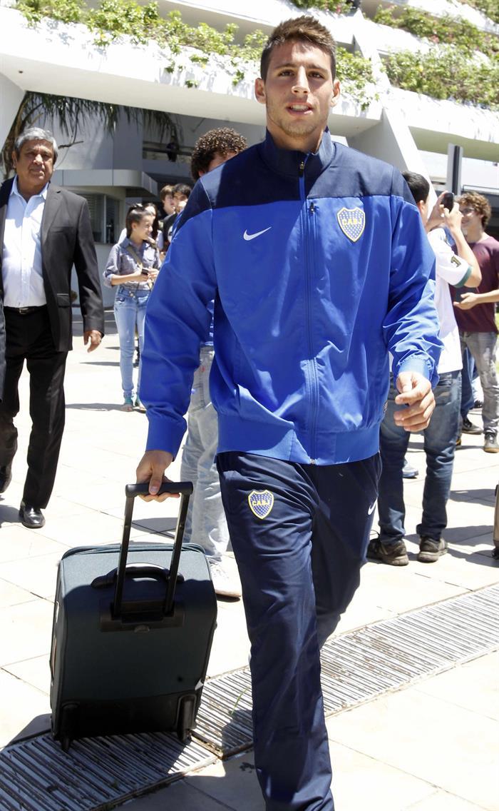 El jugador del equipo argentino Boca Juniors Jonathan Calleri llega a Asunción. Foto: EFE