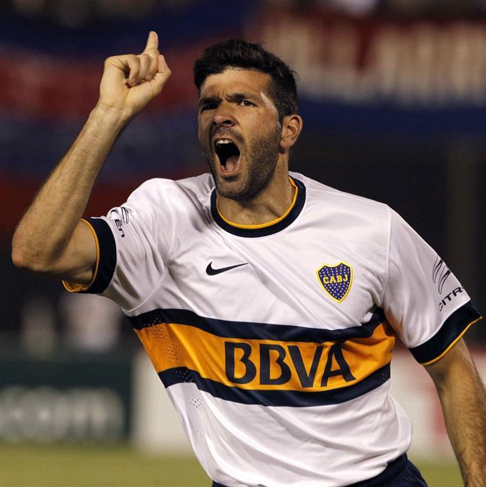 El jugador de Boca Juniors Emanuel Gigliotti celebra después de anotar un gol ante Cerro Porteño. Foto: EFE