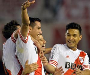 River sufre por Estudiantes y espera a Boca en la semifinal