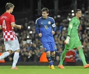 Messi lideró la remontada de Argentina ante Croacia en Londres