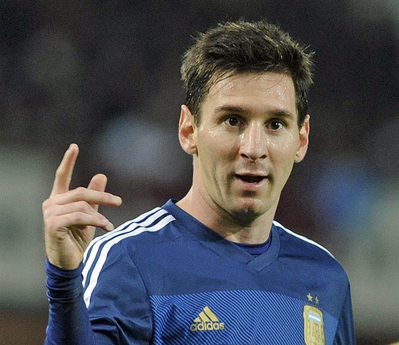 El jugador Lionel Messi de Argentina celebra tras anotar un segundo gol durante un partido amistoso ante Croacia. EFE