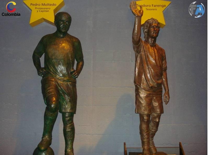 Estatuas de Juan Román Riquelme y Guillermo Barros Schelotto. Foto: Colombia.com.
