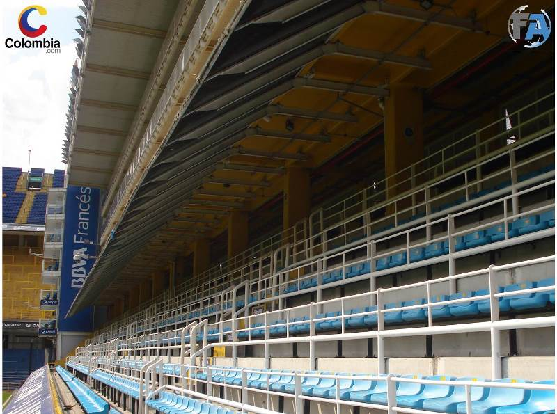 Tribuna próxima a la zona técnica de los equipos. Foto: Interlatin