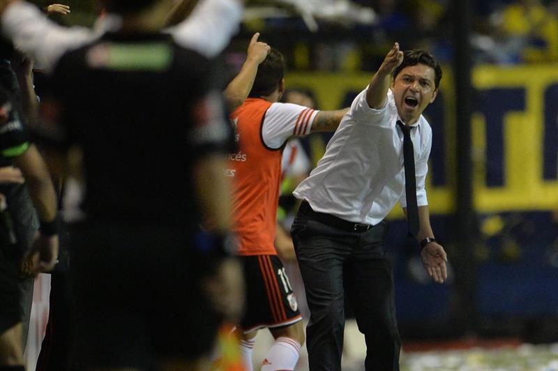 El entrenador de River Plate Marcelo Gallardo en un partido por la semifinal de la Copa Sudamericana. EFE