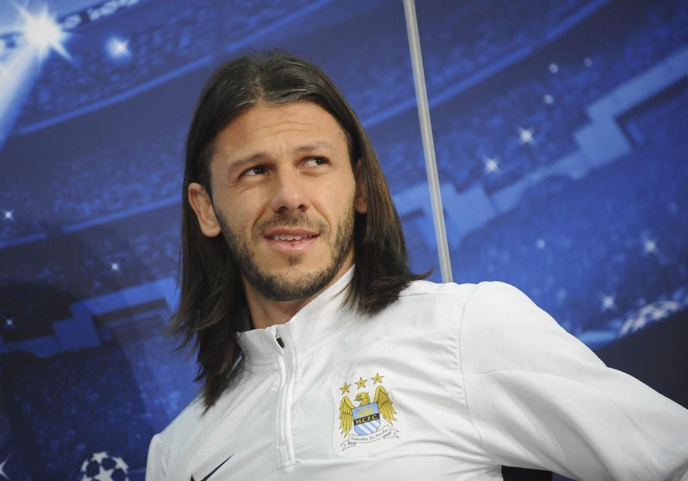 El defensa argentino del Manchester City Martín Demichelis. Foto: EFE
