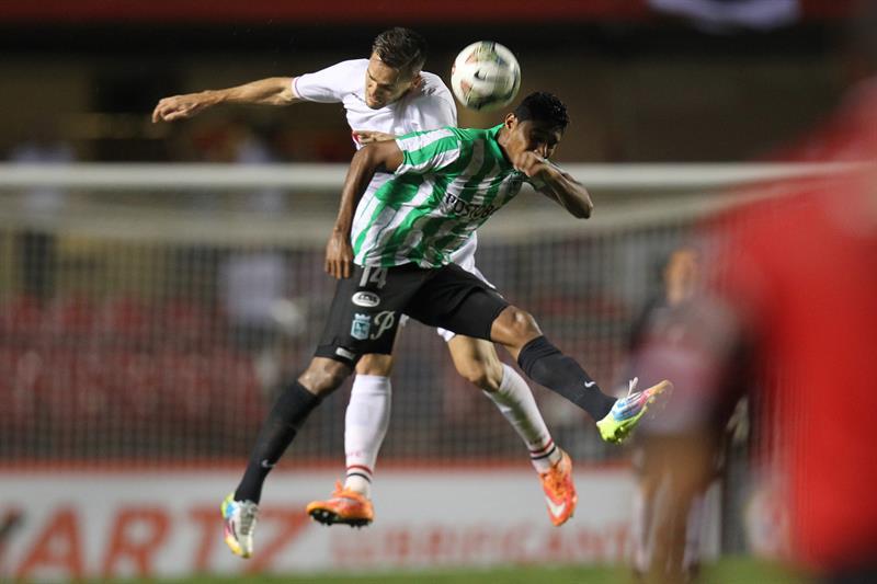 Nacional cayó 1-0 en Brasil ante São Paulo, pero ganó 4-1 en los penales. Foto: EFE