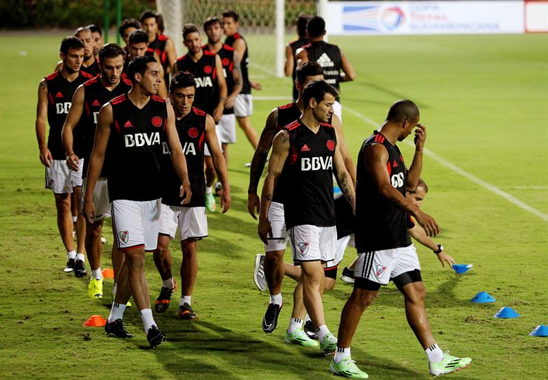 River Plate, con Teófilo Gutiérrez a la cabeza, entrenó en el Atanasio. Foto: EFE