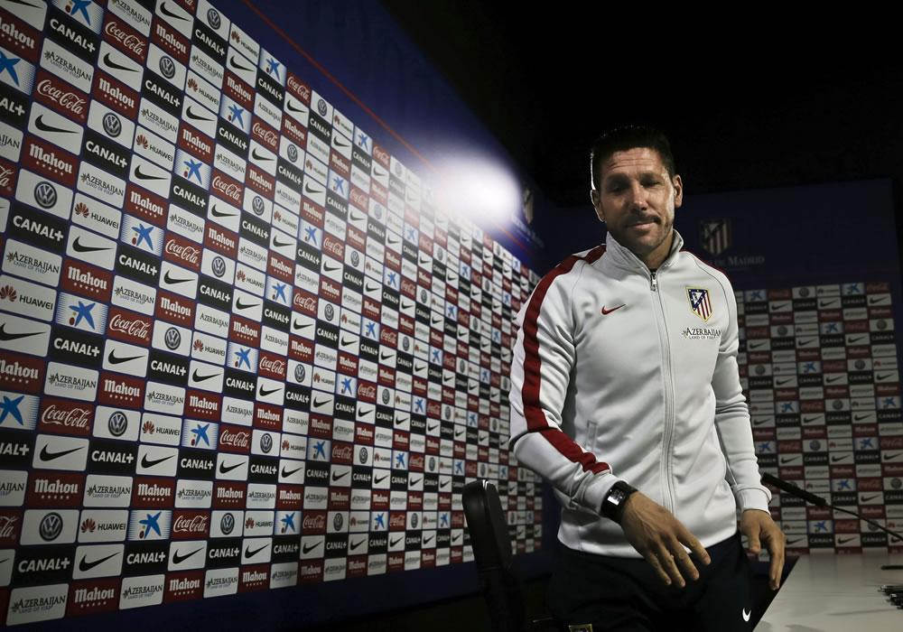 El técnico del Atlético de Madrid, el argentino Diego Pablo Simeone, durante una rueda de prensa. Foto: EFE