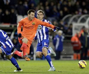 Cristiano iguala el récord de goles de Messi, que responde con un triplete