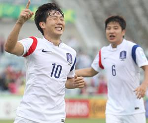 Son y Cahill meten a Corea del Sur y Australia en semifinales