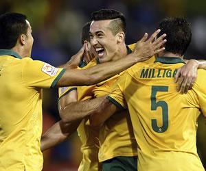 Australia se mete en 'su' final con un inicio arrollador