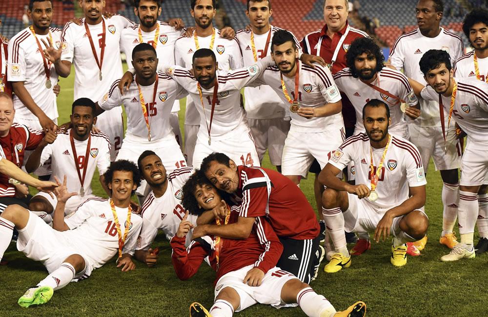 Emiratos remonta a Iraq y vuelve al podio 18 años después