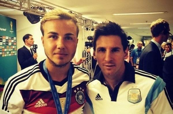 Mario Götze y Leo Messi tras la final del Mundial 2014. Foto: Twitter