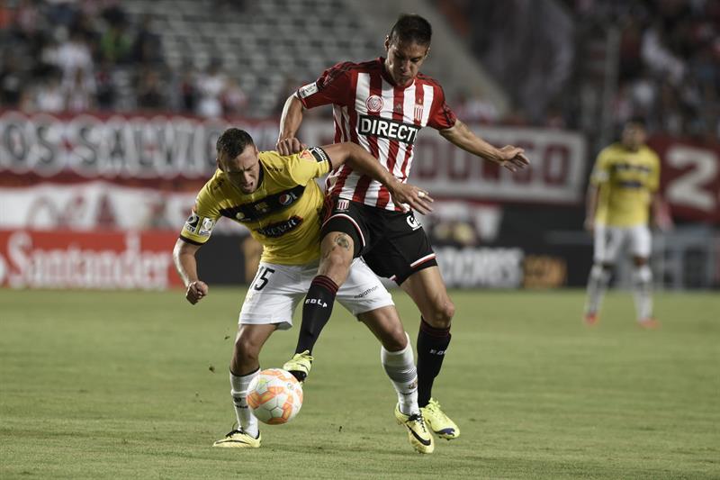Estudiantes empezó con todo el Grupo de la Copa Libertadores. Foto: EFE