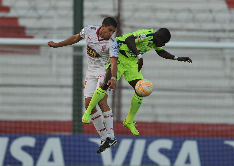 Huracán y Mineros empataron en un partidazo por el grupo 3 de la Copa Libertadores. EFE