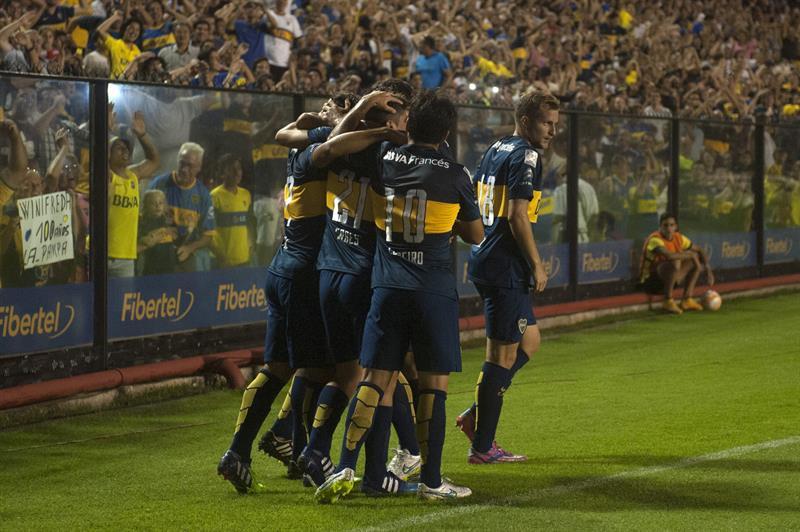 Boca apabulló al Zamora en La Bombonera y puso un pie en octavos de final. EFE