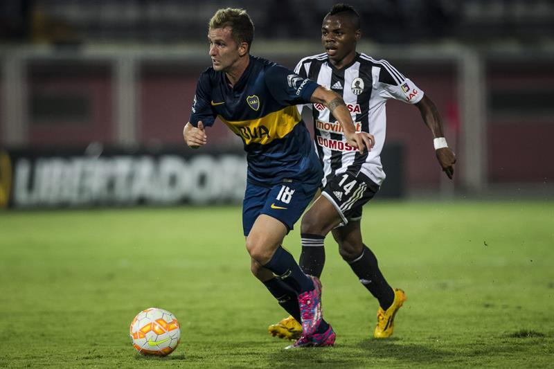 Boca goleó al Zamora como visitante y casi se clasificó a la siguiente fase de la Copa Libertadores. EFE