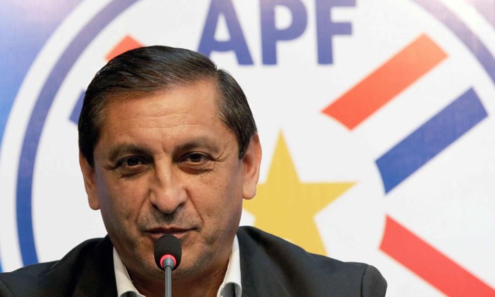 El DT de la selección paraguaya de fútbol, el argentino Ramón Díaz, durante una conferencia de prensa. Foto: EFE