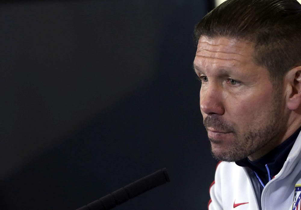El DT argentino del Atlético de Madrid, Diego Pablo Simeone, durante la rueda de prensa. Foto: EFE