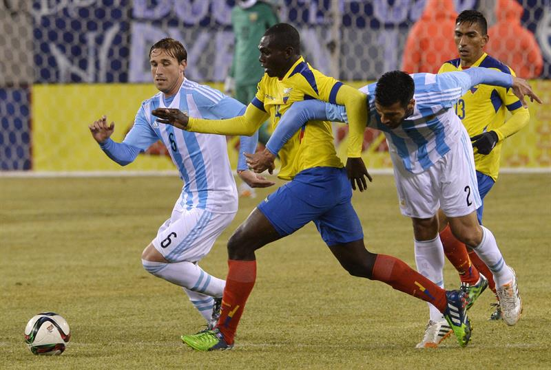 La Selección Argentina le ganó a Ecuador y toma confianza para la Copa América. EFE