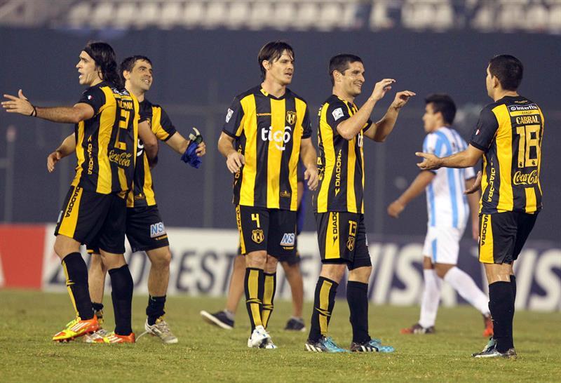 Racing cayó ante Guaraní y postergó sus aspiraciones de clasificación a los octavos de la Libertadores. EFE