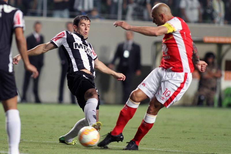 Santa Fe cayó 2-0 en Brasil por dos errores defensivos. Foto: EFE.