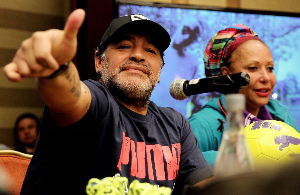 Diego Maradona y Piedad Córdoba ante la prensa colombiana. Foto: EFE.