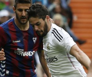 Real Madrid, sin James, goleó en España