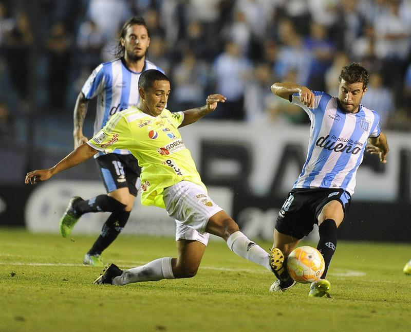 Racing se lo dio vuelta al Táchira en Avellaneda y se clasificó primero en el grupo 8 de la Libertadores. EFE