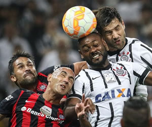 San Lorenzo queda cerca de la eliminación tras empatar con Corinthians