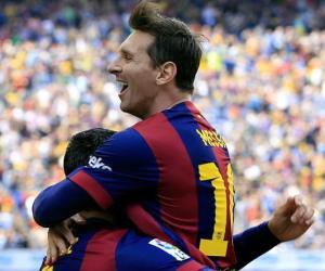 Messi llegó a 400 con un tanto en el último suspiro