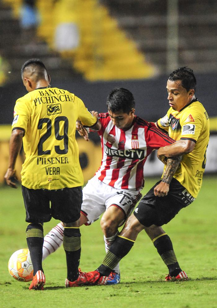 Estudiantes encontró la ventaja y la agónica clasificación a octavos de la Libertadores. Foto: EFE