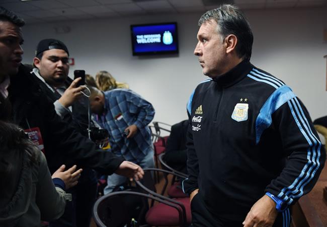 Gerardo Martino elogia a Messi y revela sus planes con Mascherano y Tevez tras presentar la lista de convocados. Foto: EFE
