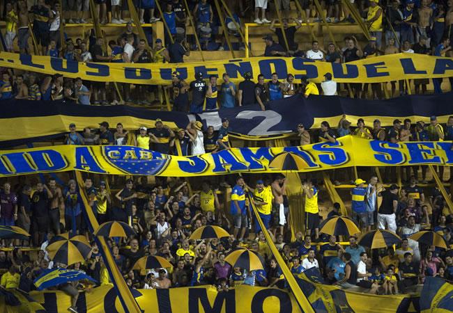 Los hinchas de Boca Juniors realizan un vídeo para motivar al club en el superclásico. Foto: EFE