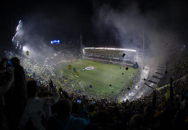 Vista general de La Bombonera, durante el partido por los octavos de la Copa Libertadores entre  Boca Juniors y River Plate. Foto: EFE