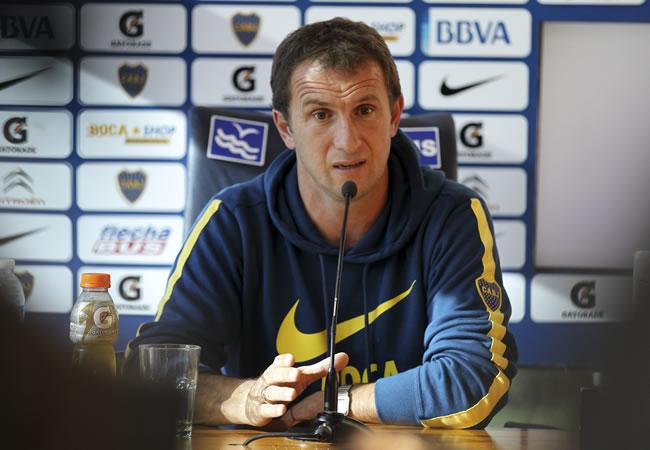 El DT de Boca Juniors, Rodolfo Arruabarrena, participa en una rueda de prensa en La Bombonera. Foto: EFE
