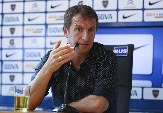 El técnico de Boca Juniors, Rodolfo Arruabarrena, habla durante una rueda de prensa. Foto: EFE