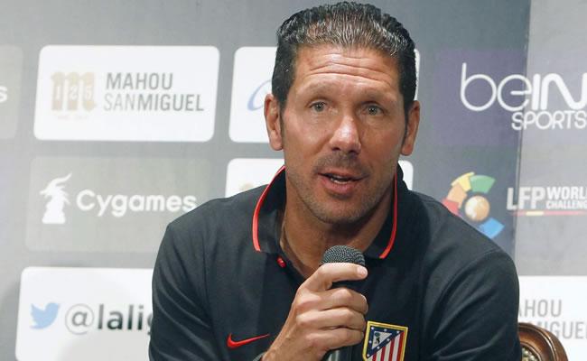 El entrenador del Atlético de Madrid, el argentino Diego Pablo Simeone, durante la rueda de prensa ofrecida en Japón. Foto: EFE