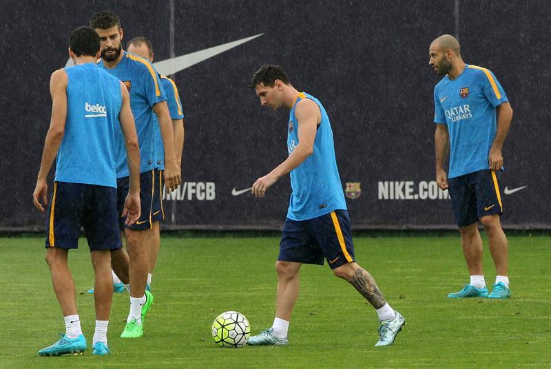El argentino Leo Messi con la plantilla del Barcelona preprarando la revancha contra el Athletic en San Mamés. Foto: EFE