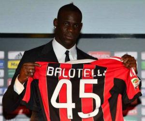 Mario Balotelli será compañero de Bacca en el Milán