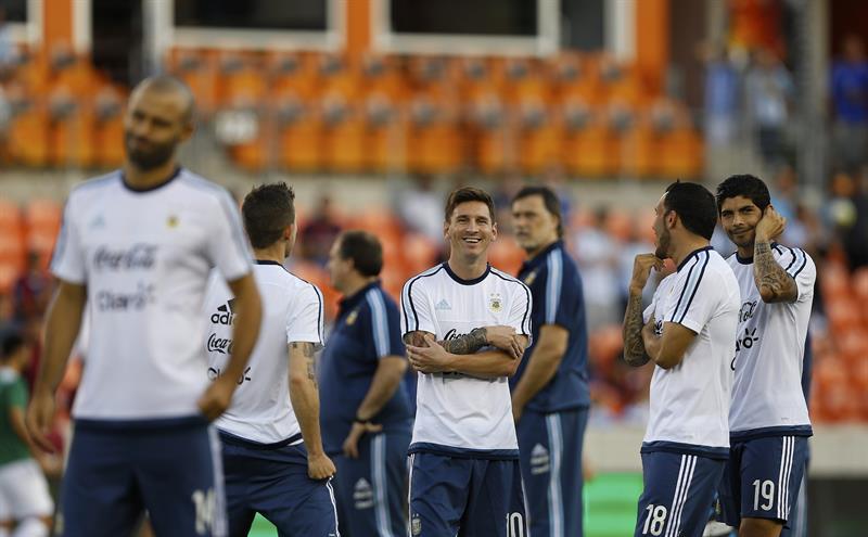 Argentina vapuleó 7 a 0 a una débil Bolivia en Houston. Foto: EFE