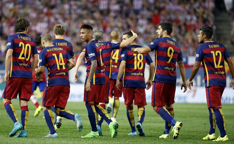 El delantero brasileño del Barcelona, Neymar, celebra el gol marcado al Atlético. Foto: EFE